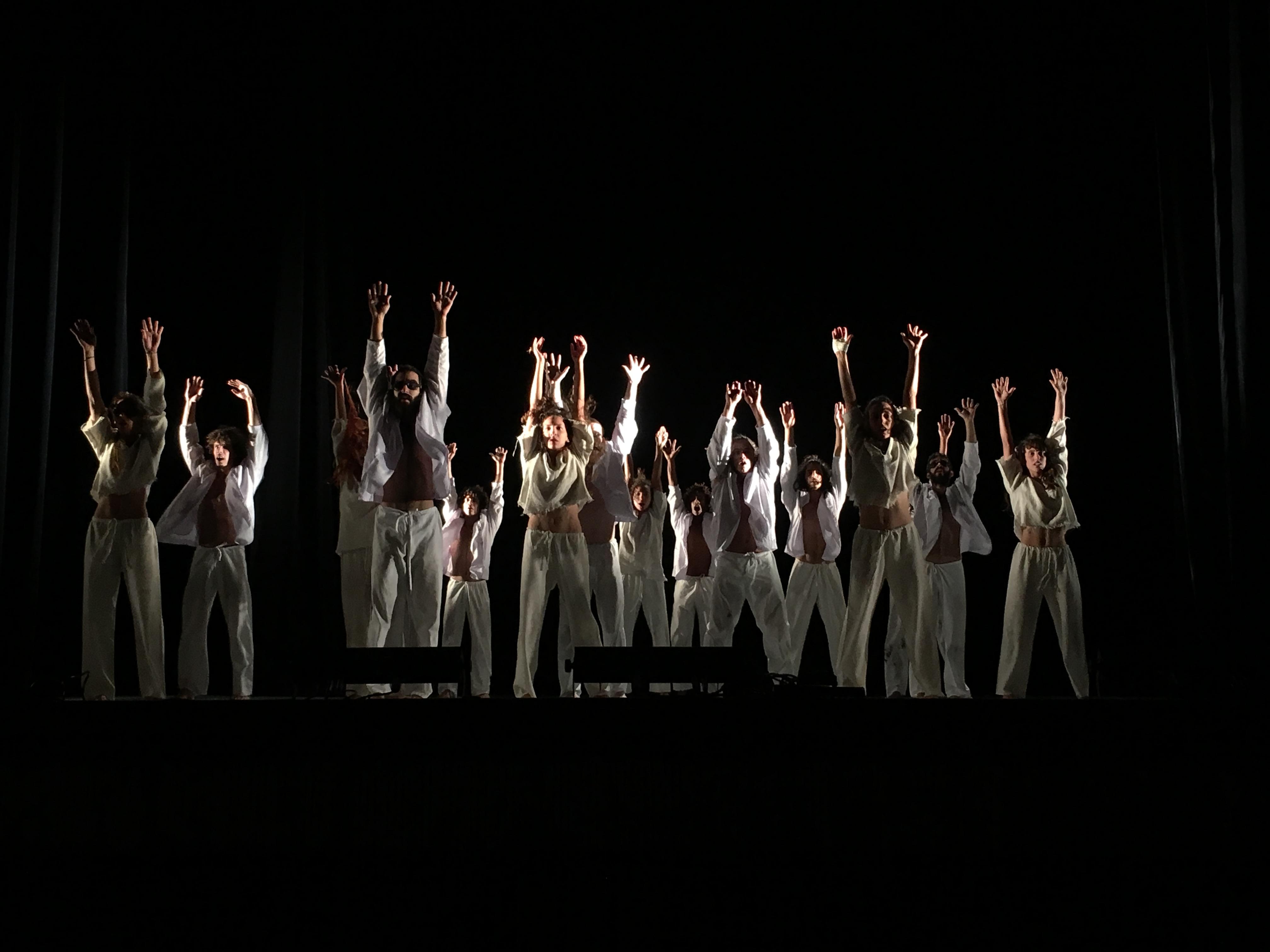 Coil. Danza Contemporánea de Cuba. Foto: Arlene Gómez
